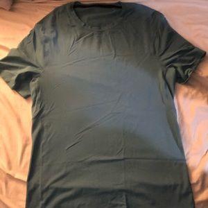 Athletic lululemon men's shirt